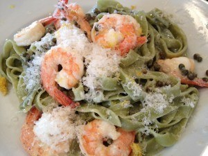 Spinach Fettuccine with Lemon, capers, and prawns